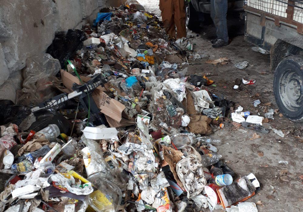 Tas de déchets ramassés lors du nettoyage du 22 avril 2019