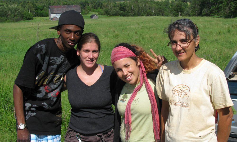 Quelques bénévoles avec France Bourgouin (à droite) assistante coordonnatrice pour la plantation