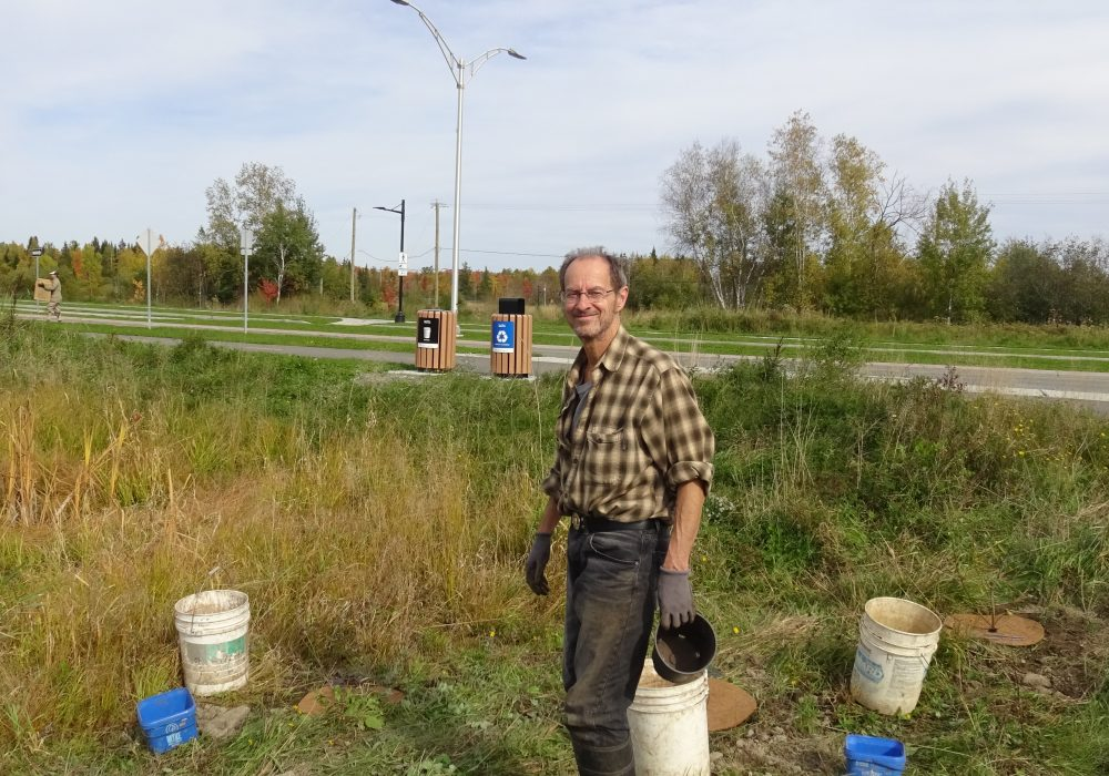 Jean-François Giroux bénévole aux nettoyages de cours d'eau et à la plantation