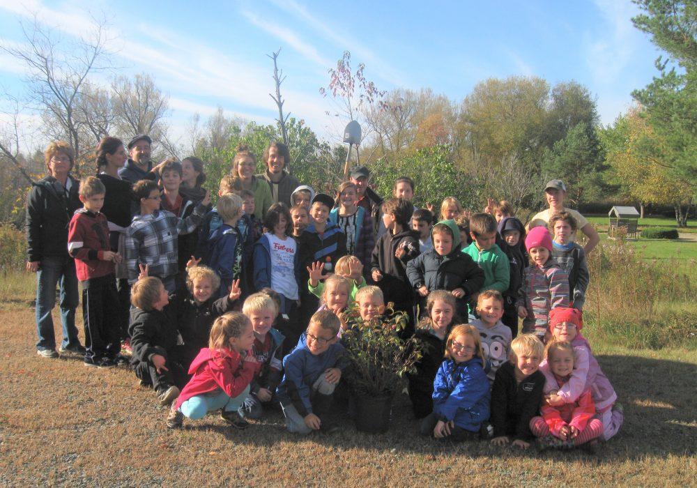 Plantation à l'école Pie X en 2013